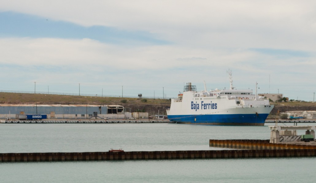 Baja Ferry, route vers la peninsule