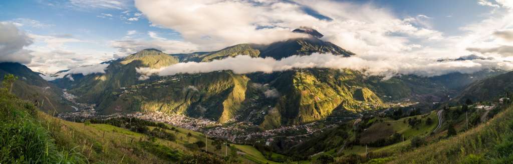 Banos, et le volcan Tungurhua